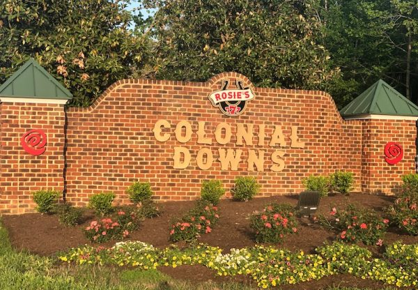 colonial downs entrance